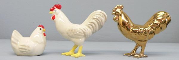 Hagen Renaker Miniature Chicken Leghorn Black Rooster /& Red Hen Set